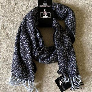 NWT! D&Y Black and Grey Speckled Blanket Scarf
